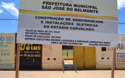 Belmonte: Estádio Carvalhão ganha arquibancadas e iluminação e desportistas aplaudem prefeito