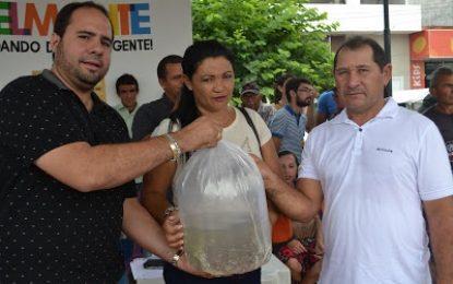 Belmonte: Vereador Erick Diniz prestigia entrega de alevinos para os agricultores