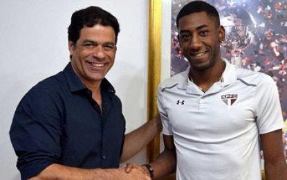 São Paulo contrata atacante destaque do futebol uruguaio