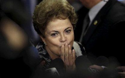 Filme sobre impeachment de Dilma estreia no Brasil com sala lotada