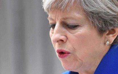 'Questão de interesse nacional': Theresa May explica ataques à Síria