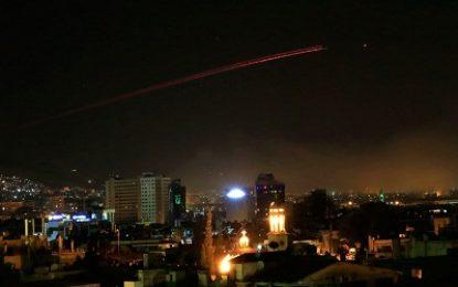 Síria contra-ataca e derruba 13 mísseis lançados pelos EUA